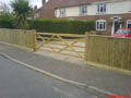 Click to view dom-fence010.jpg